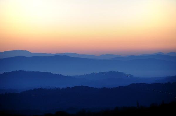 Chiusi vista da Chianciano all'alba 1024